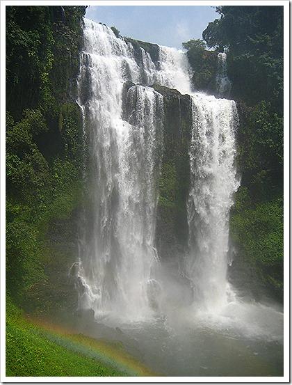タートユアング滝