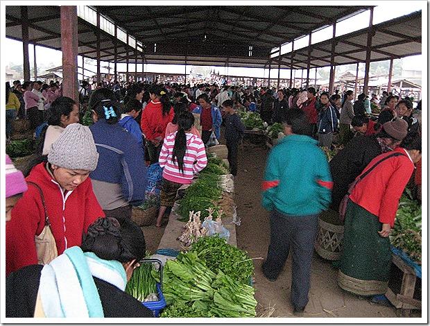 モン族のマーケット