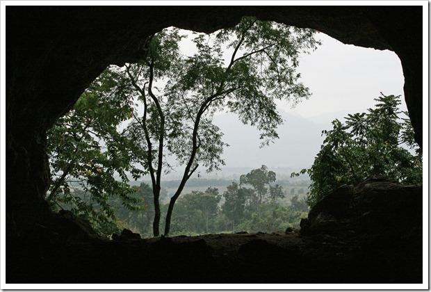 タムピウ洞窟(Tham Piew Cave)